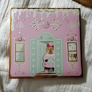 Too faced Christmas cookie shadow palette